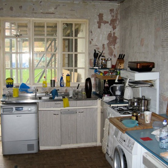 Check Out This Striking Black Kitchen Makeover
