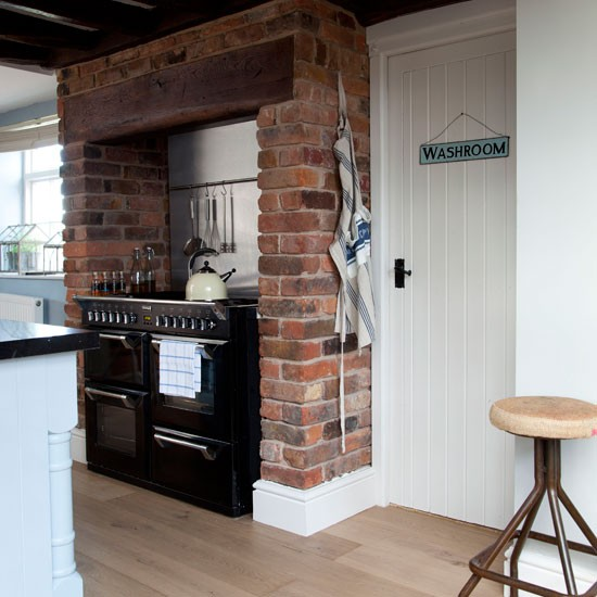 Rustic Raw-brick Kitchen