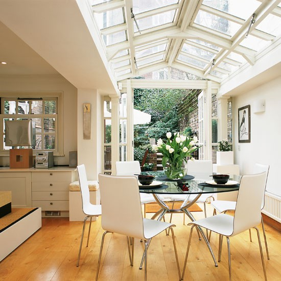 Elegant conservatory dining | Conservatory dining | Dining ideas | Garden rooms | Conservatory | PHOTO GALLERY | 25 Beautiful Homes | Housetohome