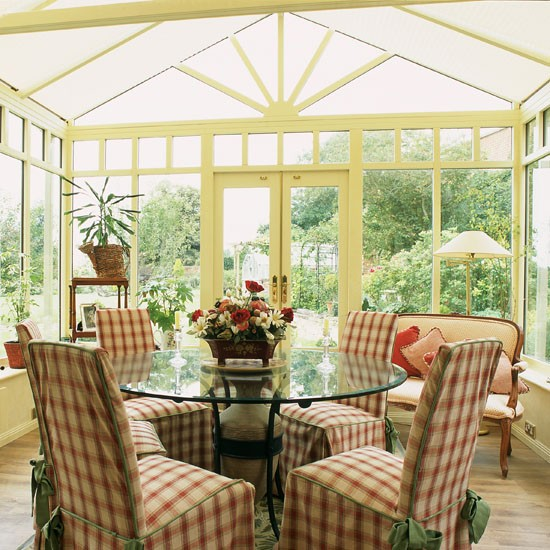 Traditional conservatory dining conservatory dining for Conservatory dining room design ideas