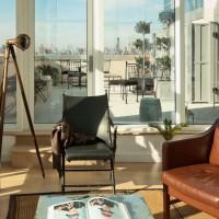 Vintage-style sun room
