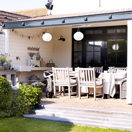 Verandah | House tour | PHOTO GALLERY | Country Homes and Interiors | Housetohome.co.uk