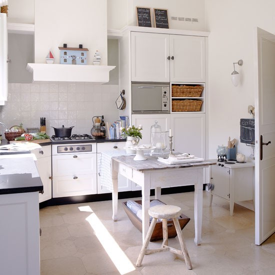 Kitchen | House tour | PHOTO GALLERY | Country Homes and Interiors | Housetohome.co.uk
