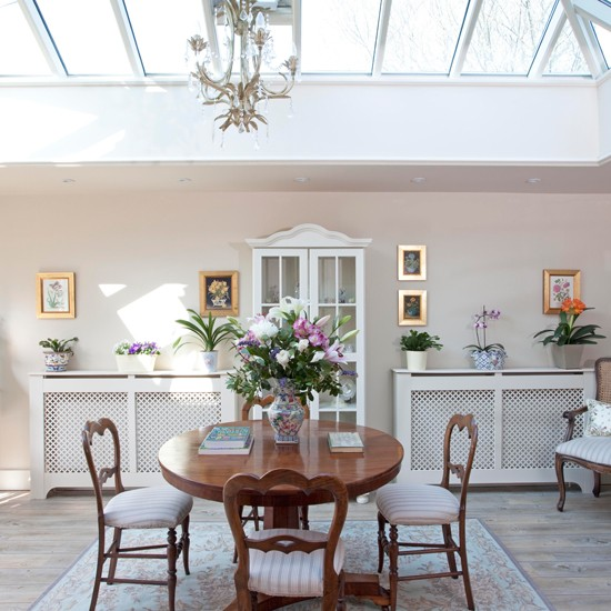 Dining room | Step inside an 18th-century period home in Surrey | House tour | PHOTO GALLERY | 25 Beautiful Homes | Housetohome.co.uk