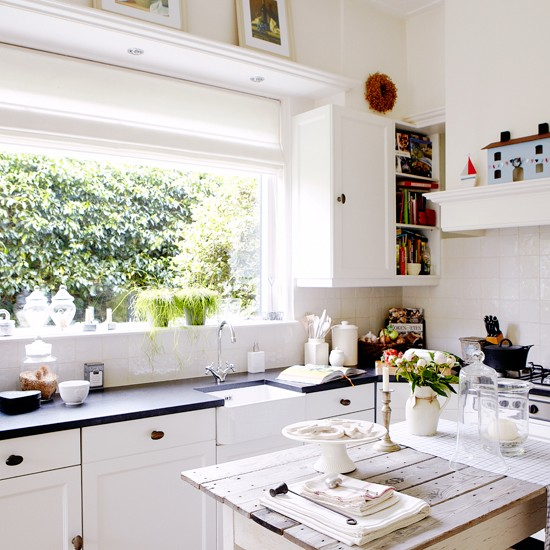Housetohome Co Uk: White Shaker-style Kitchen