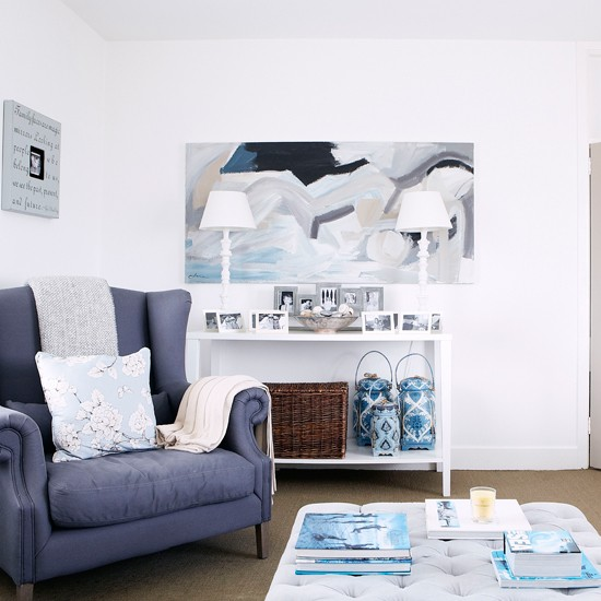 Coastal white and blue living room | Country decorating ideas