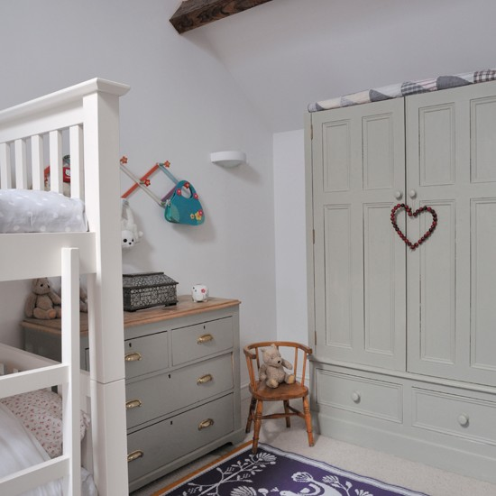 Relaxed country children's room