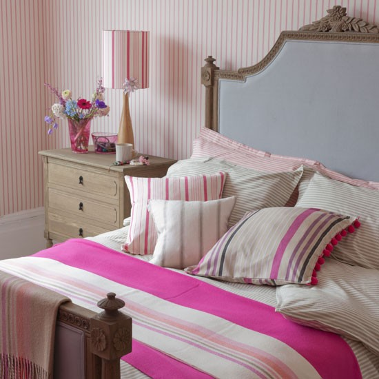 Fuchsia striped bedroom | Country decorating ideas | Country Homes & Interiors | Housetohome
