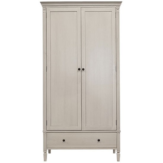 Painted wardrobe from Neptune | Bedroom furniture | PHOTO GALLERY | Homes & Gardens | Housetohome.co.uk