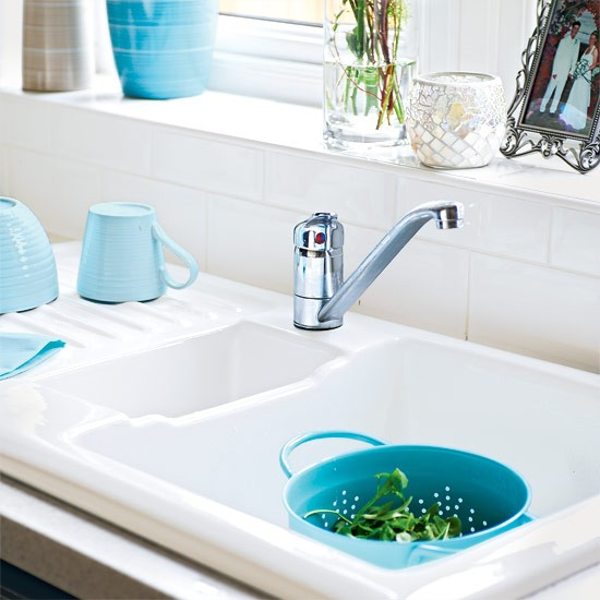 Go for a ceramic sink glamorous kitchens 10 budget for Cheap kitchen makeover ideas uk