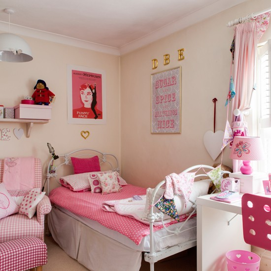 Pretty pink children's room | Traditional decorating ideas | 25 Beautiful Home | Housetohome