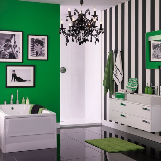 Monochrome and green bathroom | Decorating with monochrome style | Ideal Home | Housetohome
