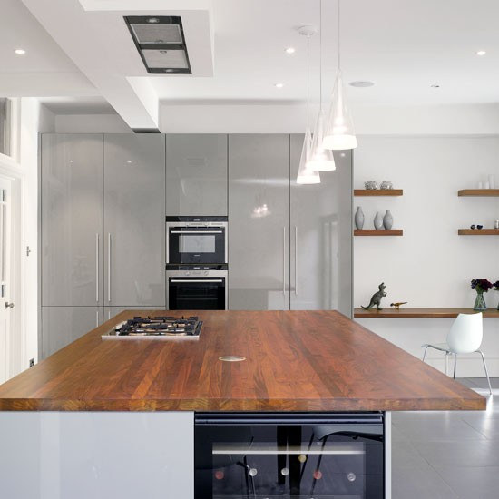 Mixed materials kitchen gloss kitchen ideas 10 ideas for Gloss grey kitchen cabinets