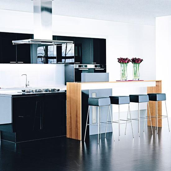 Modern monochrome kitchen gloss kitchen ideas 10 ideas for Black gloss kitchen ideas