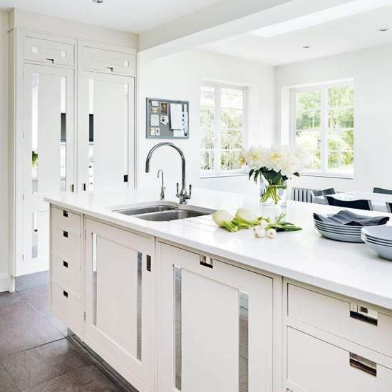Timeless white kitchen | Kitchen | PHOTO GALLERY | housetohome