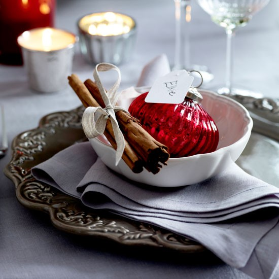 Christmas place setting | Dining room | PHOTO GALLERY | Homes & Gardens | Housetohome.co.uk