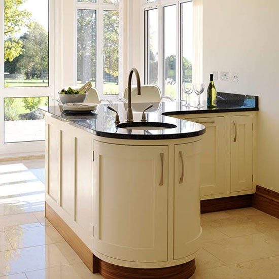 Kitchen Peninsula Photos: Be Inspired By A Cream Painted Country