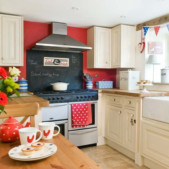 Red, white and blue country kitchen | Bold red colour schemes | Colour | PHOTO GALLERY | decorating ideas | Housetohome.co.uk