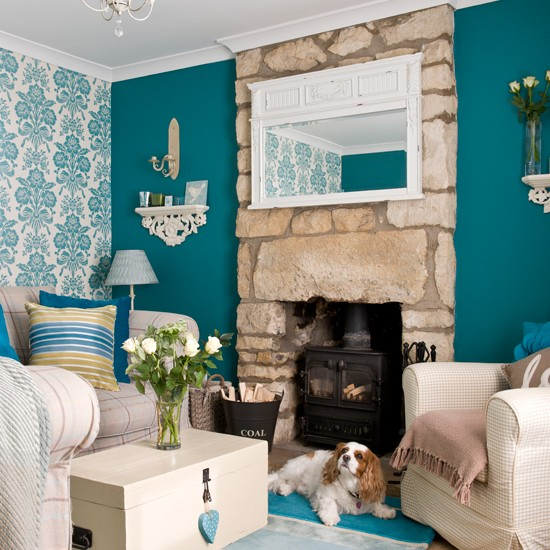Teal living room | Period decorating ideas | 25 Beautiful Homes | Housetohome