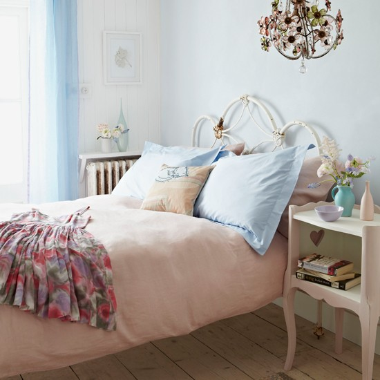 Pastels Country Bedroom Country Homes And Interiors