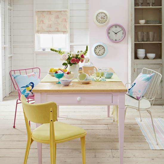 Retro Pastel Dining Room Country Decorating Ideas