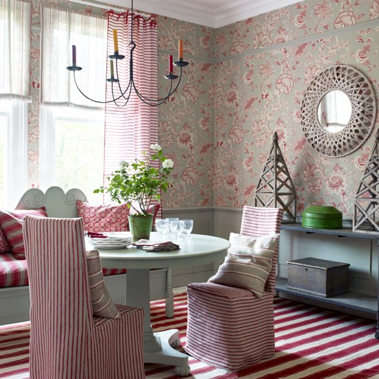 Florals and stripes dining room | Decorating with pattern | Homes & Gardens | Housetohome