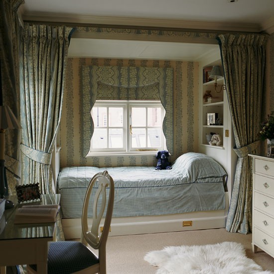 Classic blue and cream child's bedroom | Bedroom | PHOTO GALLERY | Homes & Gardens | Housetohome.co.uk