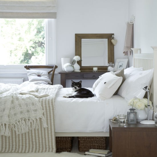 Light and airy | guest bedroom decorating idea | PHOTO GALLERY | Ideal Home | Housetohome