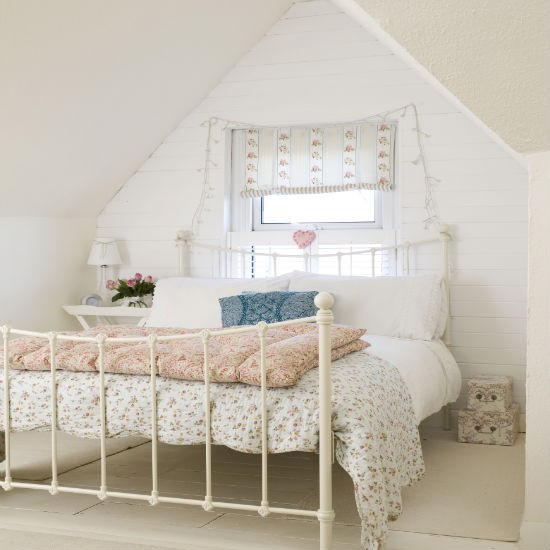 Beautiful Attic Guest Room Bedroom 550 x 550 · 53 kB · jpeg