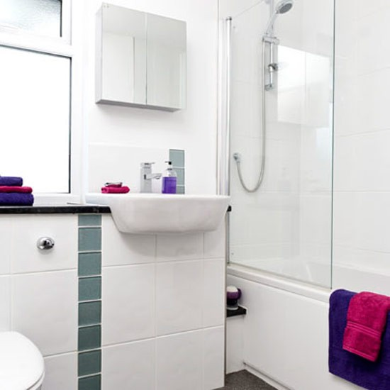 Add A Strip Of Coloured Tiles Bathroom Decorating Ideas