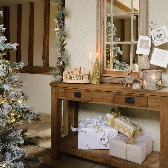 set a hallway table christmas hallways