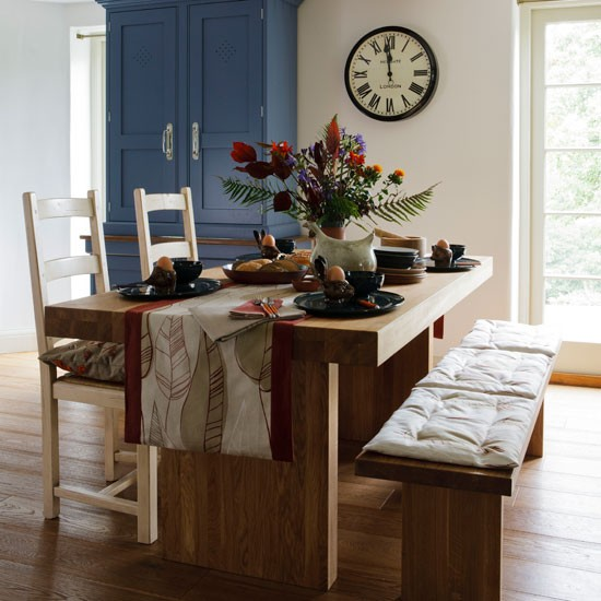Sit at a casual table | Dining room | PHOTO GALLERY | Country Homes and Interiors | Housetohome.co.uk