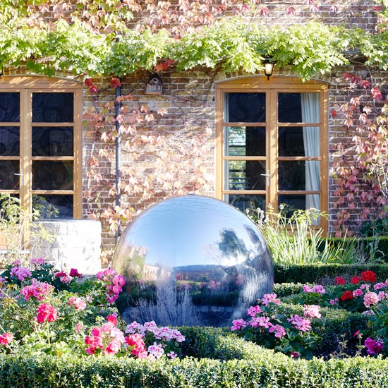 Garden | House tour | PHOTO GALLERY | Country Homes and Interiors | Housetohome.co.uk