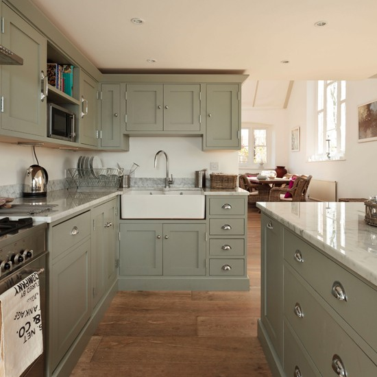 Proof, if proof were needed, that a grey kitchen and a country kitchen