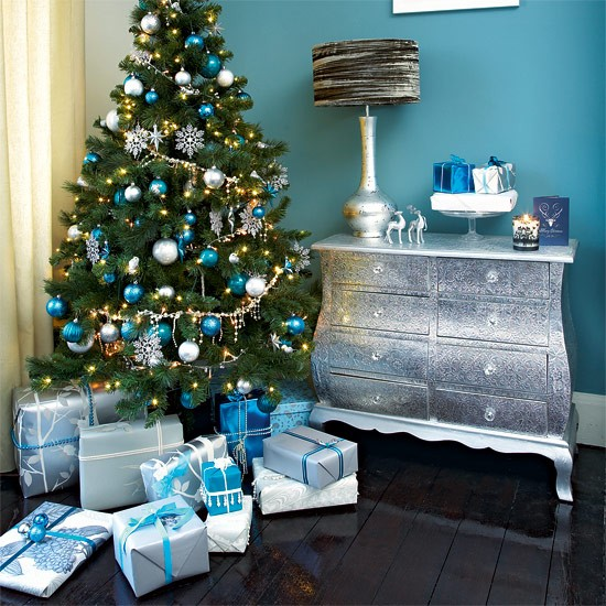 Dress your tree with teal and silver | Festive teal and silver living ...