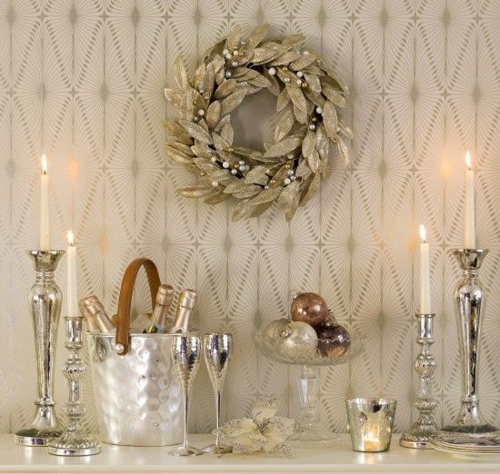 Hang a wreath christmas mantelpiece christmas decorating ideas