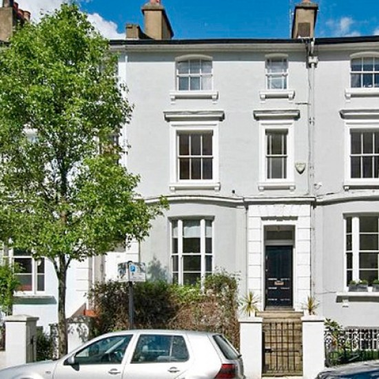 Stella&#039;s West London home features 3 bedrooms, a garden and a roof terrace