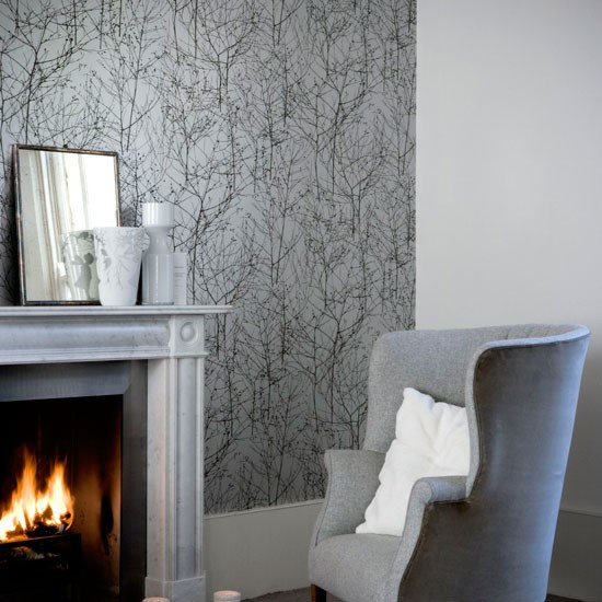 Shades of grey wallpaper wallpaper designs housetohome for Grey silver wallpaper living room