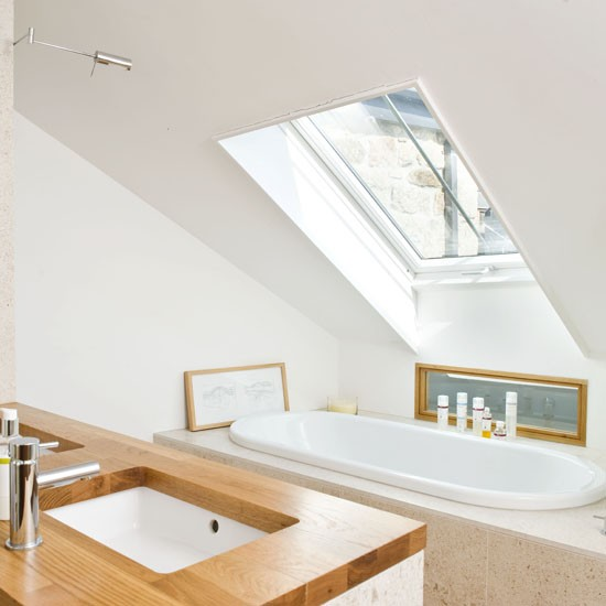 Small velux bathroom small bathroom ideas housetohome for Small bathroom ideas uk