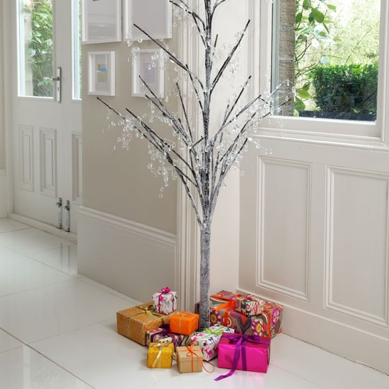 Modern twig tree christmas decorating ideas for Twig decorations home
