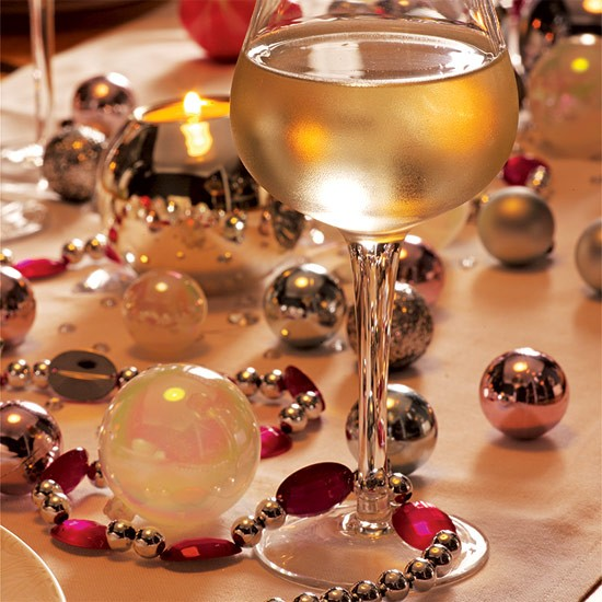 Bauble table decorations | dining room | PHOTO GALLERY | Style at Home | Housetohome