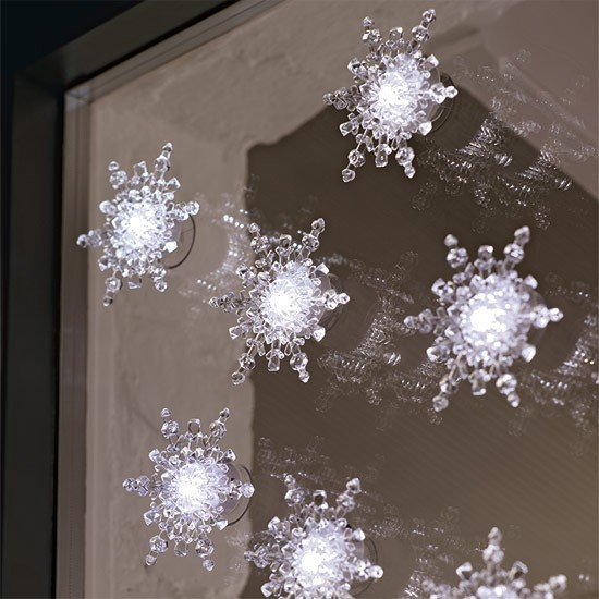 Snowflake lights | dining room | PHOTO GALLERY | Style at Home | Housetohome