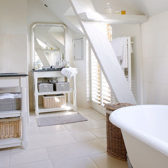 Clean white bathroom | Decorating ideas | Country Homes & Interiors | Housetohome