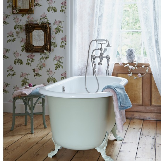 Vintage chic floral bathroom | housetohome.