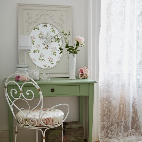 Pretty floral bedroom dressing area | Decorating ideas | Country Homes & Interiors | Housetohome