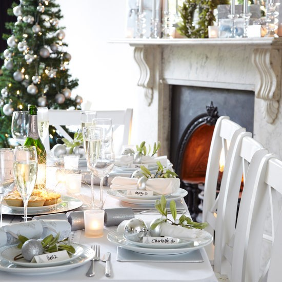 Sophisticated White Christmas Table Setting