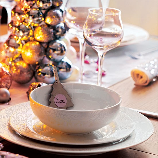 Ceramic bowl with Christmas decoration place card