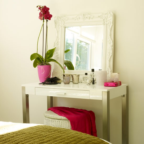 Dressing table see how caroline decorates her home for - Simple dressing table designs ...
