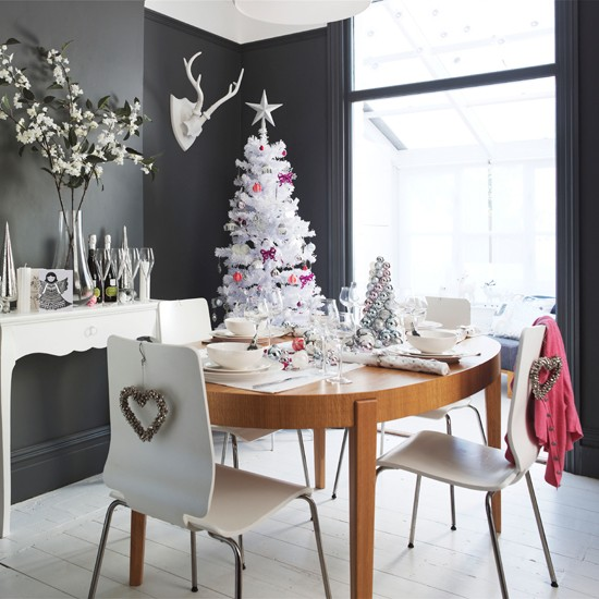 Christmas dining room | dining room | PHOTO GALLERY | Style at Home | Housetohome