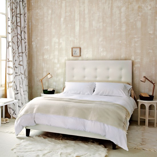 Light and airy neutral bedroom decorating ideas for Small neutral bedroom ideas